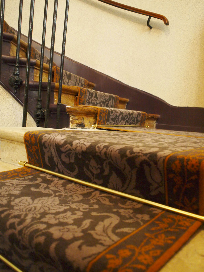 boulevard du temple dmt sp cialiste du tapis d 39 escalier et moquette paris et r gion. Black Bedroom Furniture Sets. Home Design Ideas