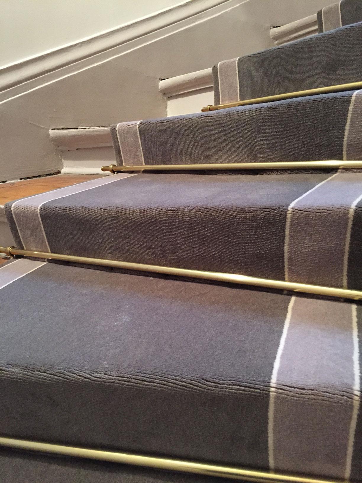 Carrelage design tapis marche escalier moderne design for Marche du carrelage