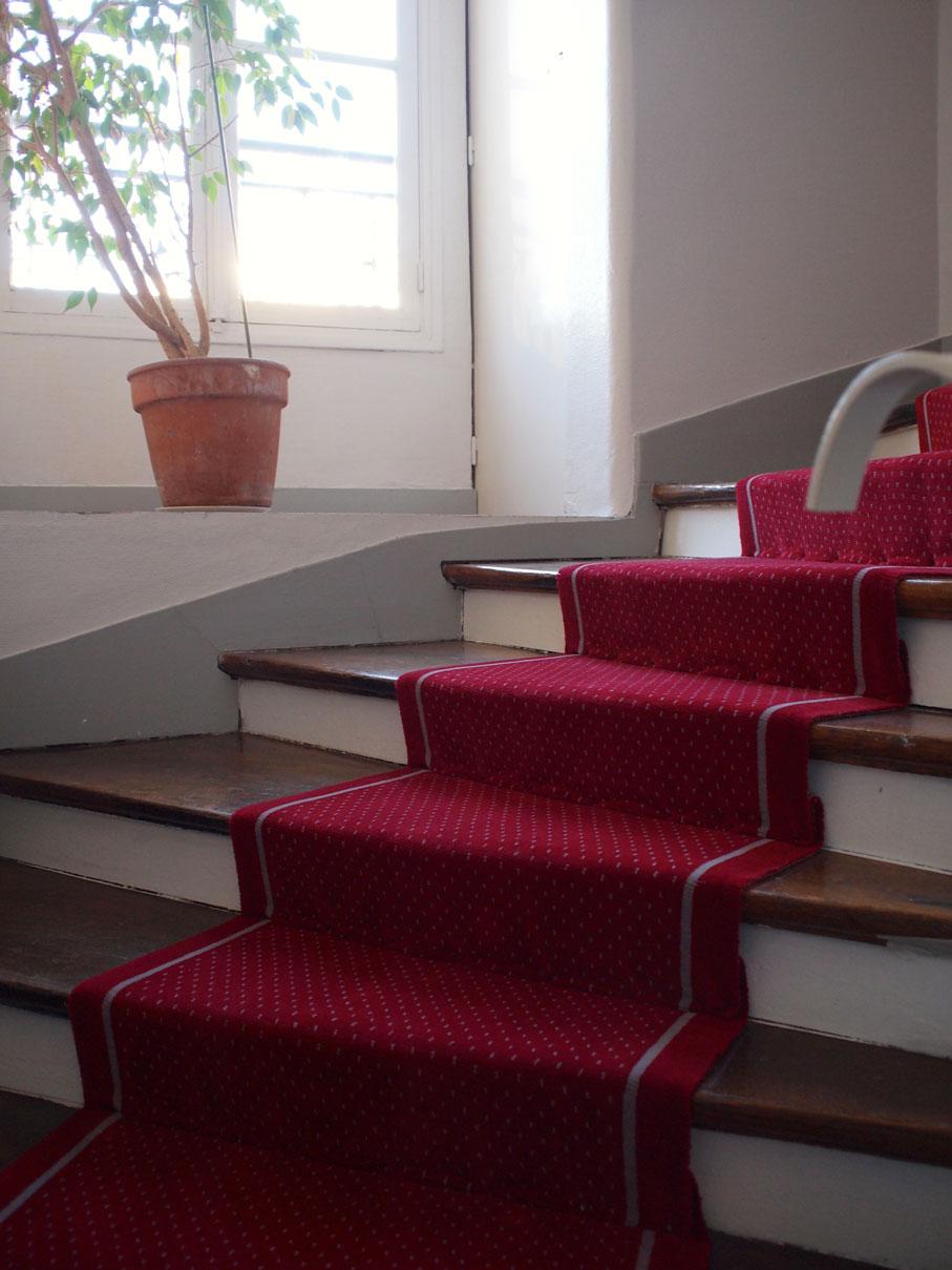 avenue ledru rollin dmt sp cialiste du tapis d 39 escalier et moquette paris et r gion. Black Bedroom Furniture Sets. Home Design Ideas