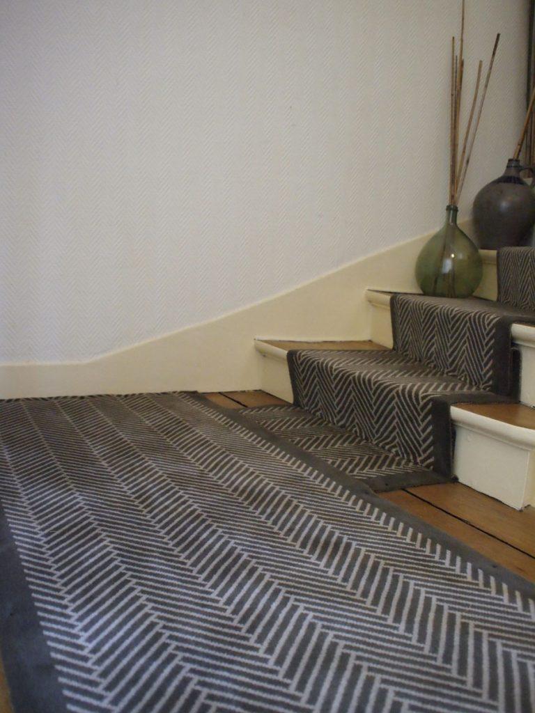 Collections moquettes archives dmt sp cialiste du tapis d 39 escalier et moquette paris et - Tapis d escalier contemporain ...