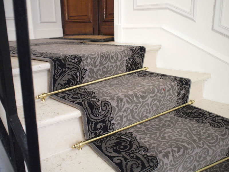 rue de suffren dmt sp cialiste du tapis d 39 escalier et. Black Bedroom Furniture Sets. Home Design Ideas