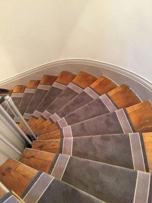 Tapis d'escalier uni à bordure neuilly Paris