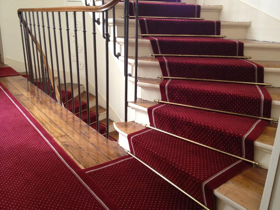 Rue montessuy dmt sp cialiste du tapis d 39 escalier et moquette paris et r gion parisienne - Tapis pour escalier en bois ...