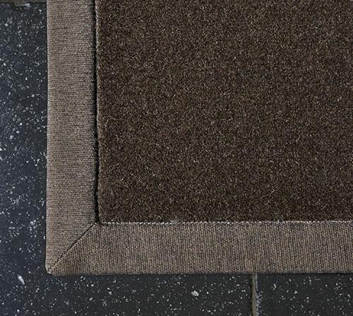 tapis sur mesure ganse marron