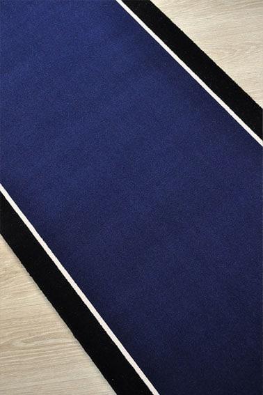 Tapis déstokage bleu nuit et bande noire