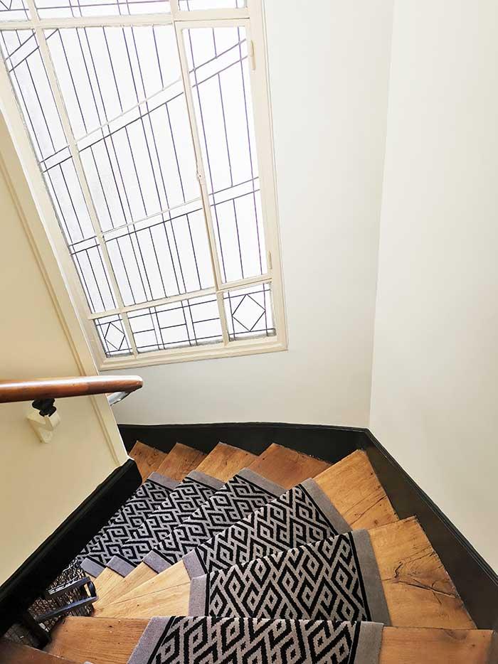 cage d'escalier en bois